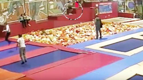El impactante vídeo del salto mortal que le costó la vida a un político ruso
