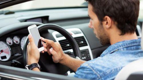 La nueva campaña de sensibilización sobre el uso del móvil al volante se hace viral