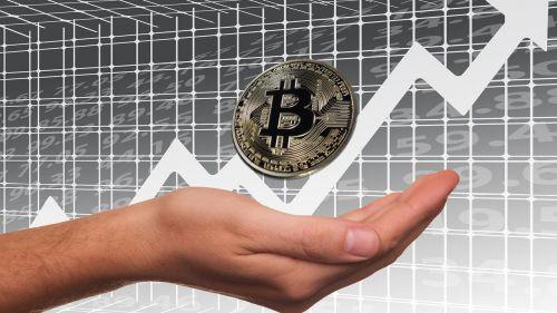 El Bitcoin recupera casi el 5% de su valor en 2019