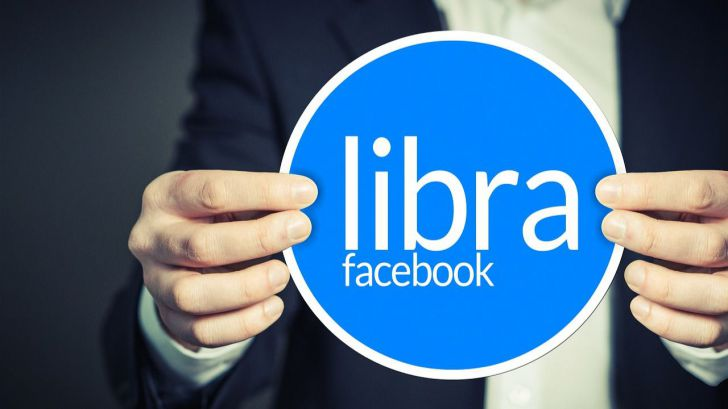 Mark Zuckerberg y su revisión de 'Libra'