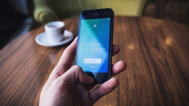 Detenido un hombre por enviar tuits contra la Casa Real e instituciones del Estado