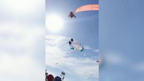 Vídeo viral de una niña que sale volando en una exhibición de cometas