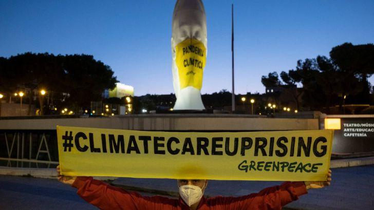 """Greenpeace y sus acciones contra la """"pandemia climática"""" en Madrid, Valencia y Sevilla"""