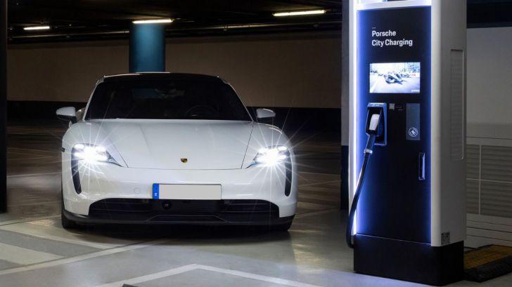 Porsche sigue contribuyendo a mejorar la red de cargadores eléctricos en España y Portugal