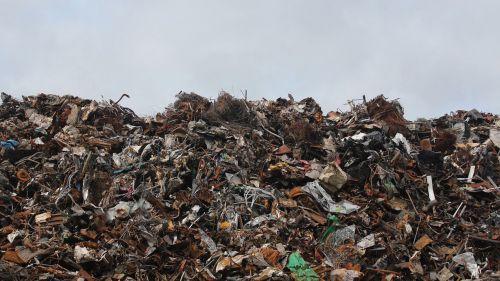 'Devolver el casco' permitiría recuperar en España 6.000 millones de envases tirados al entorno natural cada año