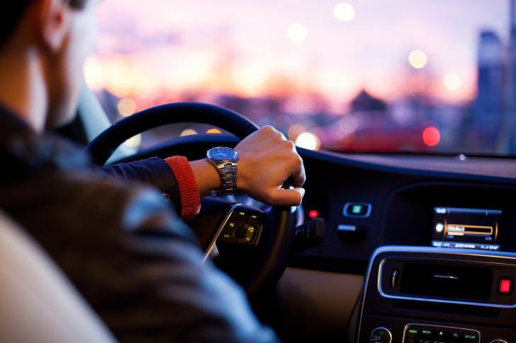 El móvil al volante aumenta hasta cuatro veces el riesgo de accidente