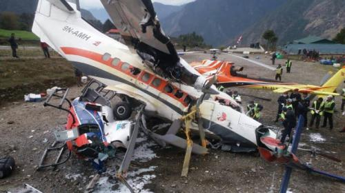 El estremecedor vídeo en el que se ve cómo un avión arrolla a tres personas